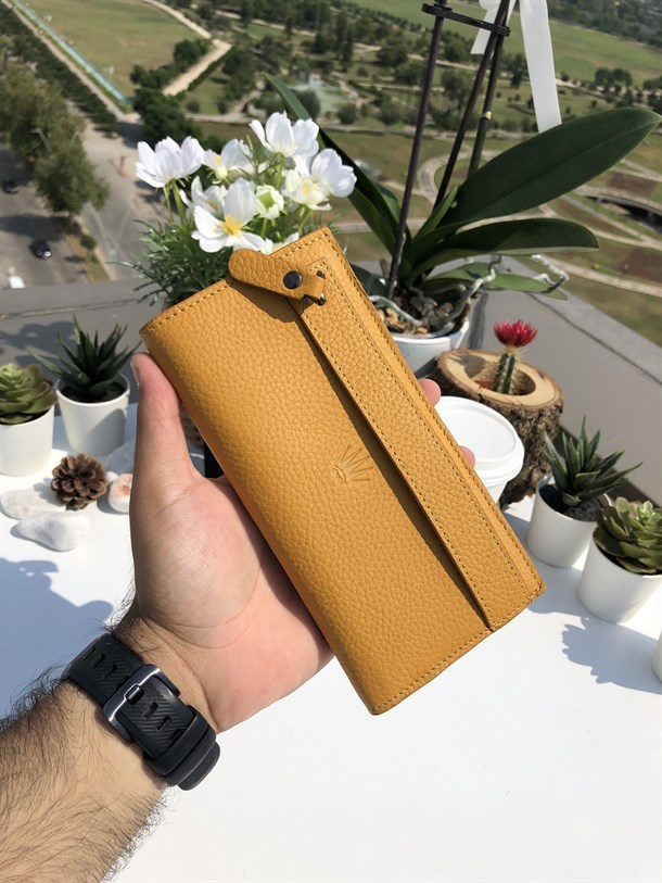 SEDNA YELLOW GENUINE LEATHER PHONE WALLET